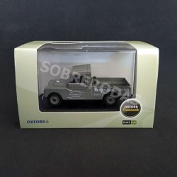 Oxford 1:43 Land Rover Series 109 Open Ferguson Tractors