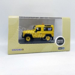 Oxford 1:76 Land Rover Defender 90 (RAF Flight Safety)