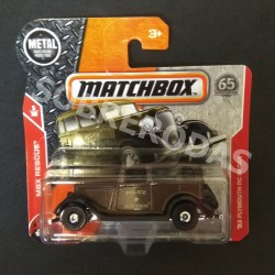 Matchbox 1:64 1933 Plymouth PC Sedan