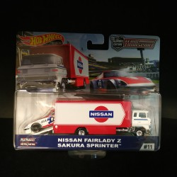 Hot Wheels 1:64 Nissan Fairlady Z + Sakura Sprinter (Team Transporter 11)