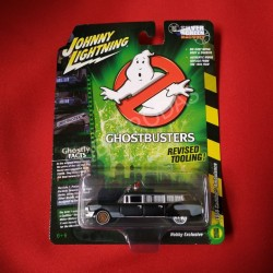 Johnny Lightning 1:64 1959 Cadillac Ambulance (Ghostbusters) (Hobby Exclusive)