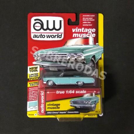 Auto World 1:64 1962 Chevy Impala Convertible (Version B)