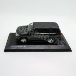 Kyosho 1:64 Toyota Landcruiser 200